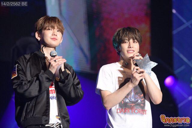 """""""ซังกยุน – เคนตะ"""" เปลี่ยนเวทีคอนเสิร์ตเป็นบ้าน ชวนแฟนคลับปาร์ตี้อบอุ่น"""